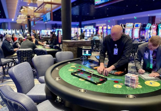 Proceed To Some Casino Gambling Online Website, Have Fun And Earn Money